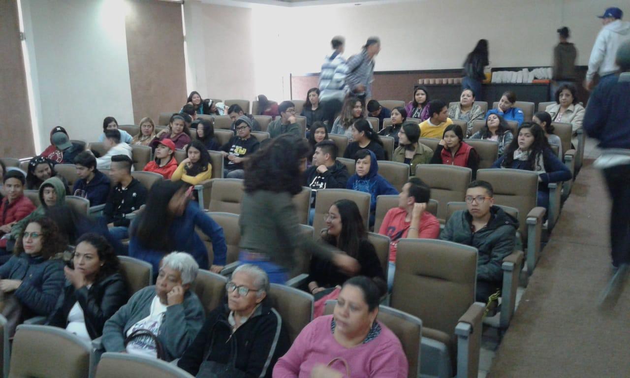 Cinedebate_-Preparatoria-2-UAZ_10-octubre-2019-7