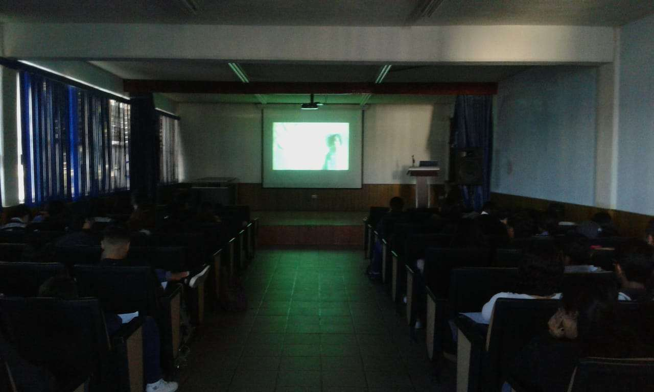 Cinedebate_-Preparatoria-4-UAZ_11-octubre-2019-7